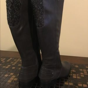 Life Stride Gray Boots